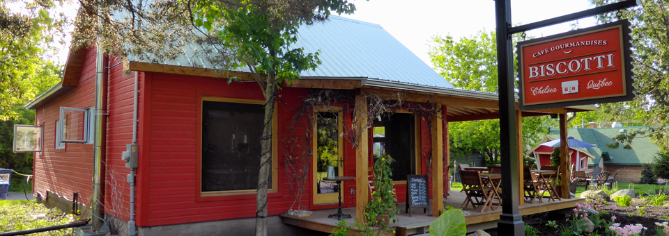 Biscotti & Cie, near the entrance to Gatineau Park