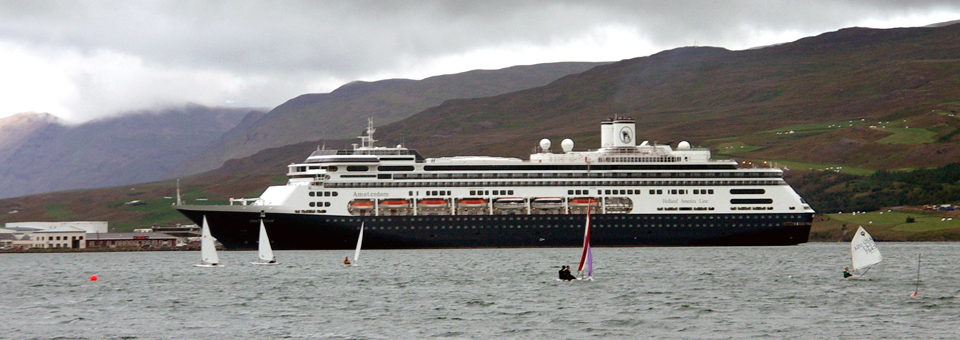 Holland America's Oosterdam