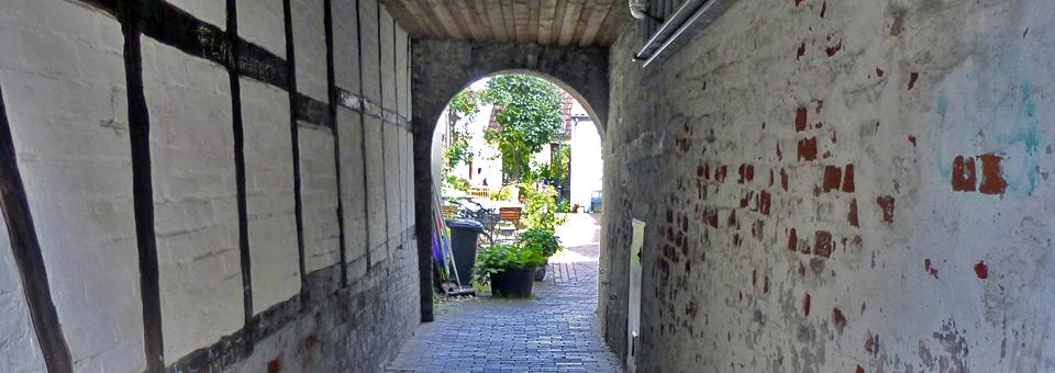 Lübeck alleyway