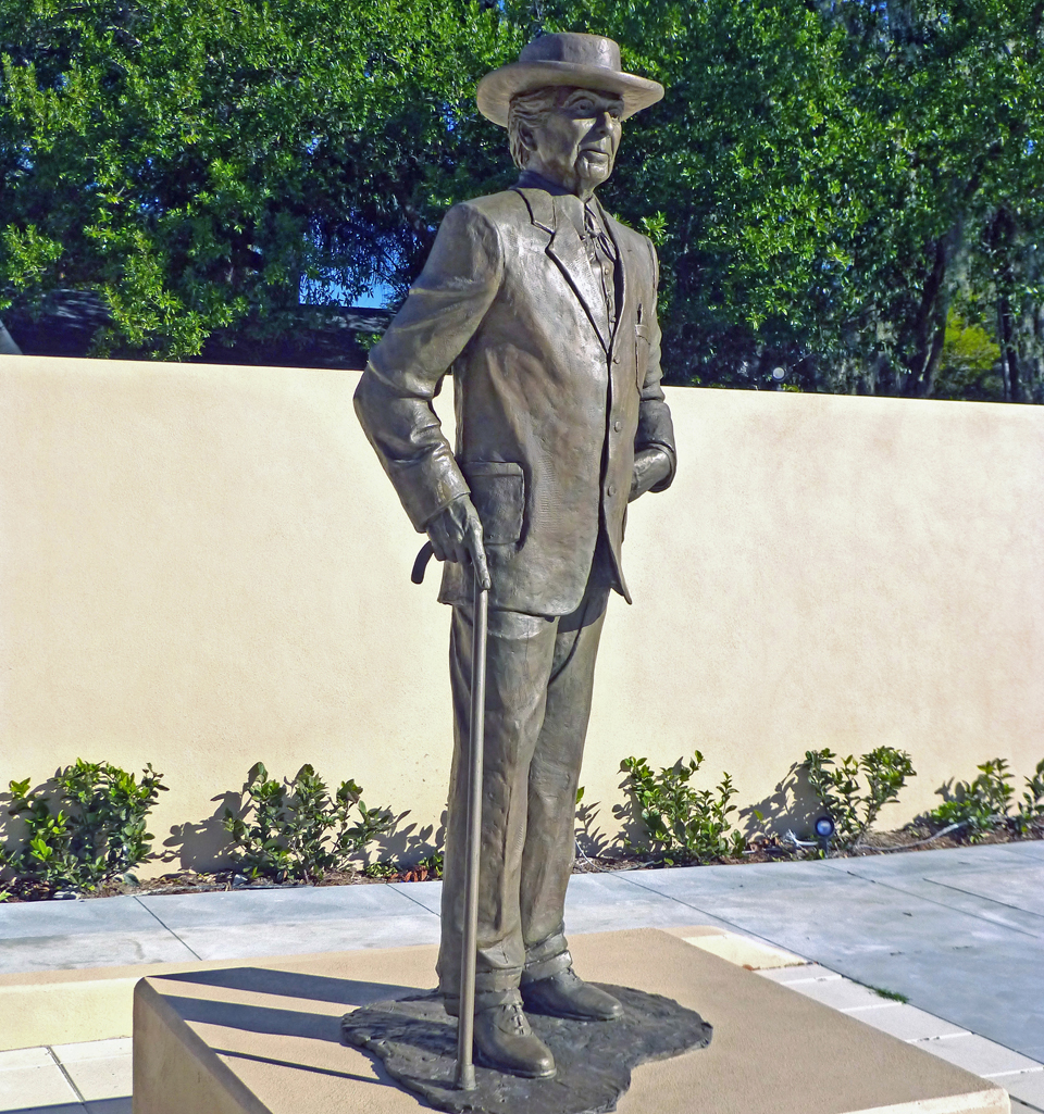 Frank Lloyd Wright statue, Florida Southern College