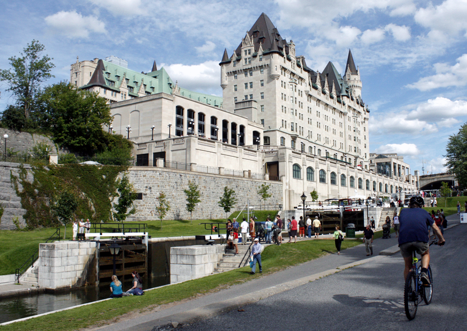 Ottawa oh canada notable travels notable travels for Hotel design ottawa