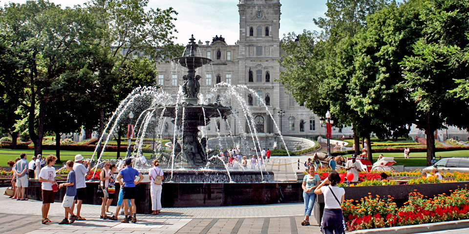 Tourny Fountain was built with the $4 million gift from the owners of the Simons Department Store to the city for its 400th anniversary.