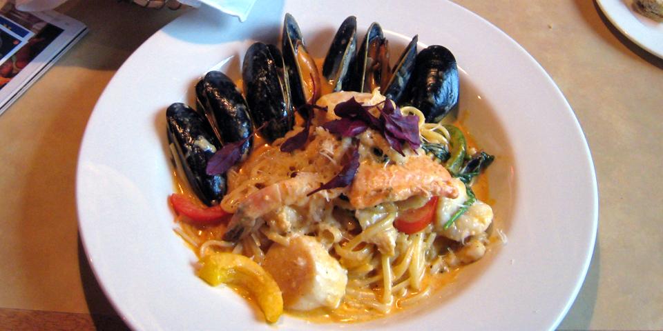 Thai steamed Nova Scotia mussels, Little Fish, Halifax, Nova Scotia ...