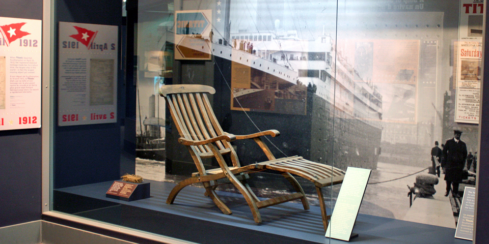 deck chair from the RMS Titanic, Maritime Museum of the ...
