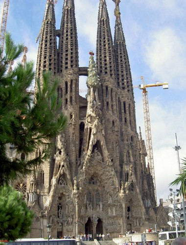 La sagrada familia barcelona spain notable travels for La sagrada familia spain