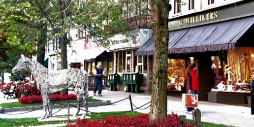 Shop or dine in restored Victorian buildings of Saratoga Spring's main street, Broadway, where the unmistakable equine theme includes life-size horse statues.