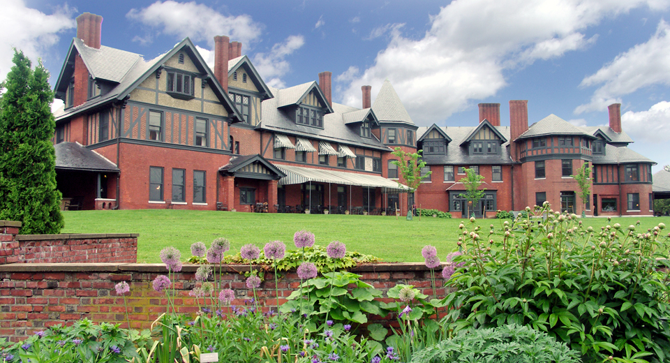 Rooms: Vermont - Notable Travels