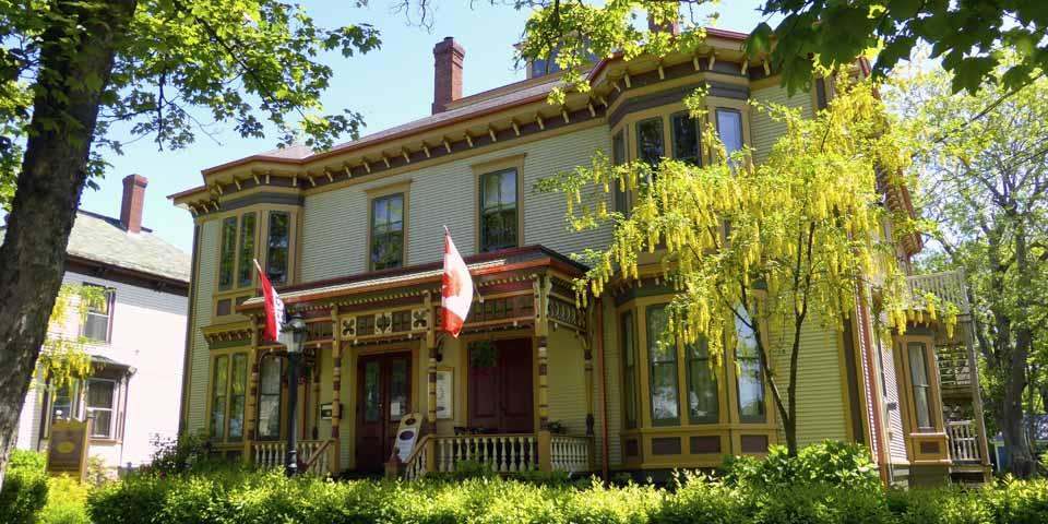 MacKinnon-Cann Inn, Yarmouth, Nova Scotia