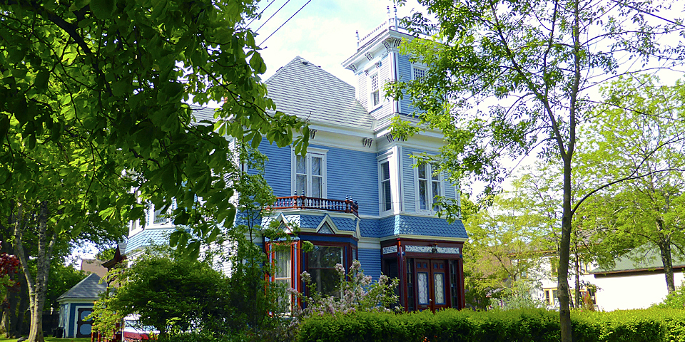 Queen Anne Revival-style house built for the widow of a mariner, Yarmouth, Nova Scotia