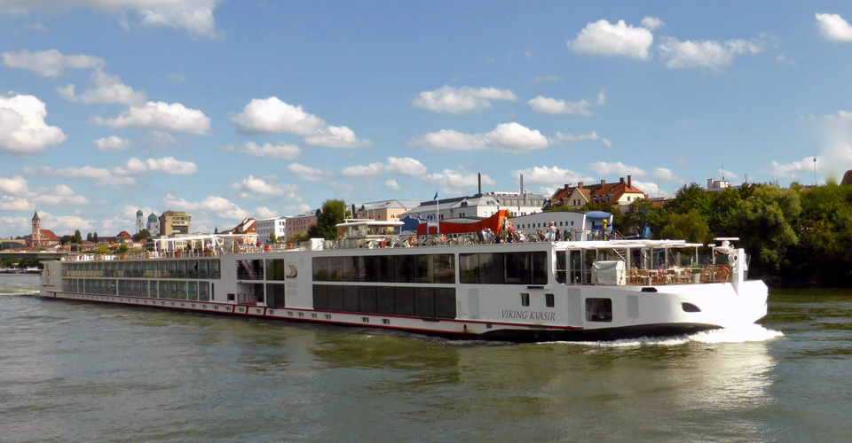 Viking Kvasir departing from Passau, Germany