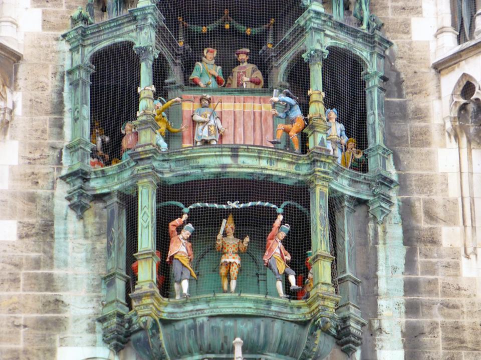 Munich glockenspiel P1070321