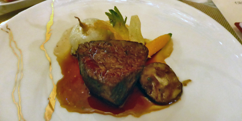 Prime Beef filet, Ratte Potato with Garlic Flower, Seasonal Vegetables and Mushrooms, Black Pepper Juice, Champlain dining room, Château Frontenac