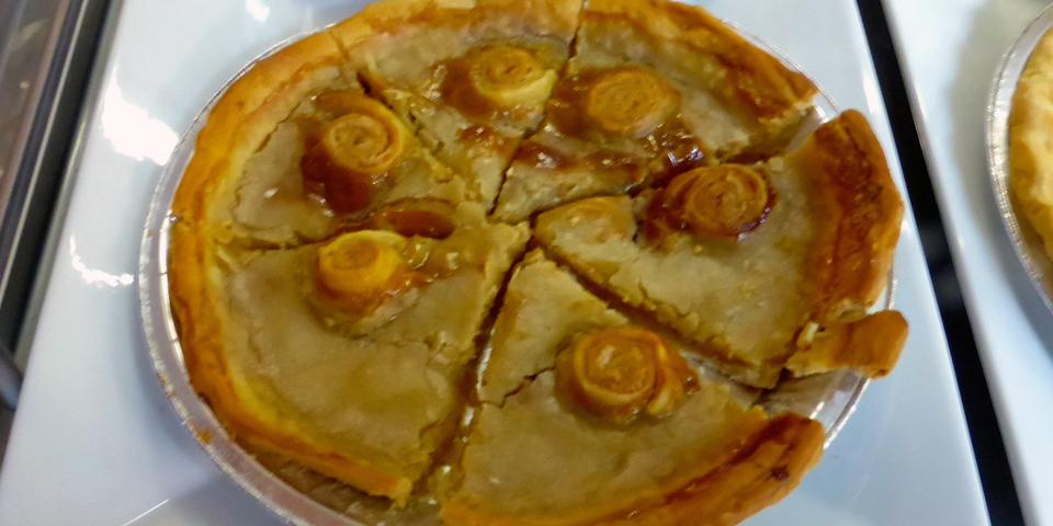 sugar pie, Boulangerie Bouchard, L'Isle aux Coudres, Charlevoix, Quebec, Canada