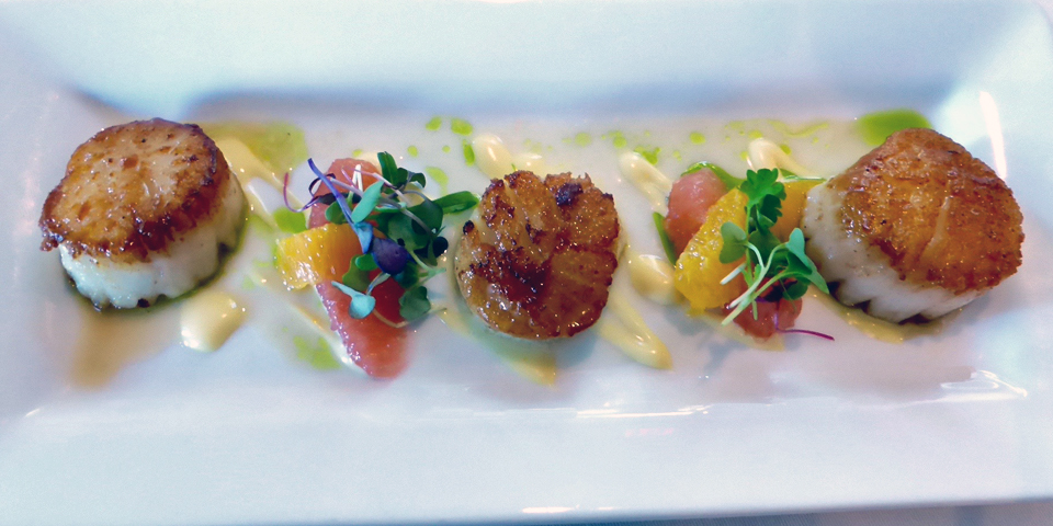 seared scallop appetizer, Lola's, The Osthoff Resort, Elkhart Lake, Wisconsin