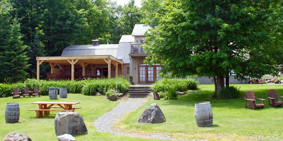 Léon Courville vigneron Eastern Townships, Québec, Canada