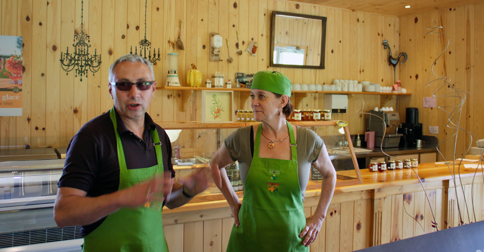 owners, Gourmet par Nature, Eastern Townships, Québec, Canada