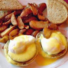 Eggs Benedict, Stowe Stoweflake Mountain Resort & Spa