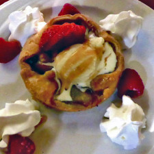 apple galette with Stowe ice cream and caramel sauce, Stowe Stoweflake Mountain Resort & Spa