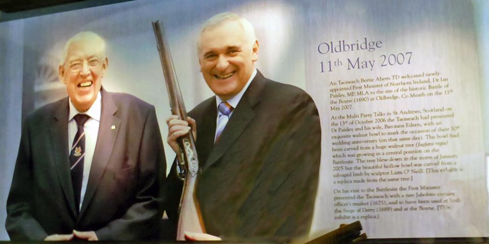 Taoiseach (Prime Minister of Ireland) Bertie Ahern and Ian Paisley, Oldbridge Estate, County Meath, Ireland