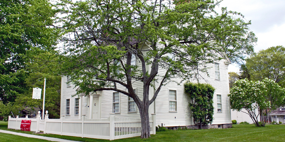 The General Willian Hart House is now home to the Old Saybrook Historical Society.