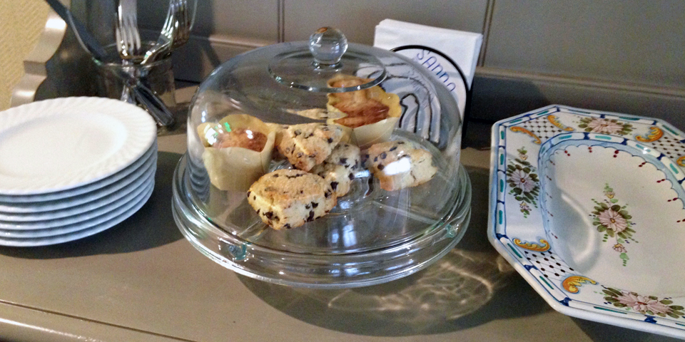 freshly baked scones and muffins, Tall Tales, Saybrook Point Inn & Spa, Old Saybrook, Connecticut