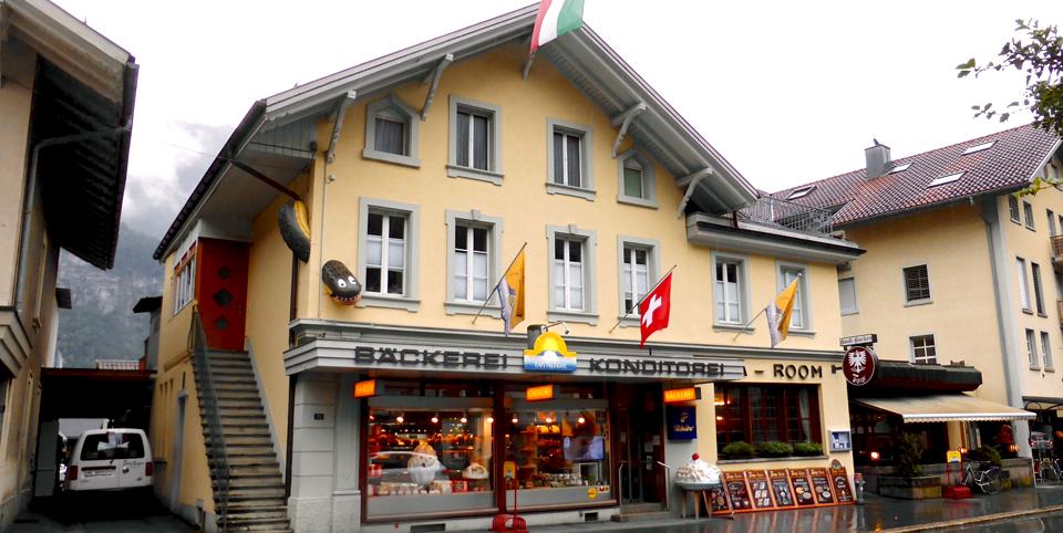 bakery with tatzelwurm on exterior, Meiringen, Switzerland