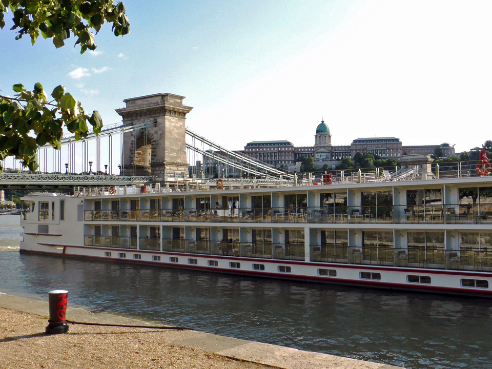 Viking Baldur docked by Chain Bridge in Budapest