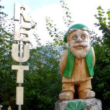 Reuti sign near gondola