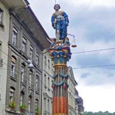 Gerechtigkeitsbrunnen, Justice statue. Bern, Switzerland