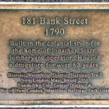 plaque at 181 Bank Street, New London, Connecticut