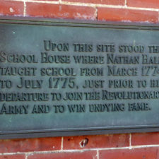 plaque marking the original site of the schoolhouse where Nathan Hale taught, New London, Connecticut