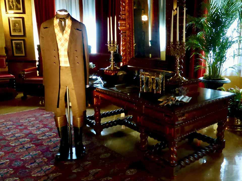 George Vanderbilt's bedroom, Biltmore House, Asheville, North Carolina