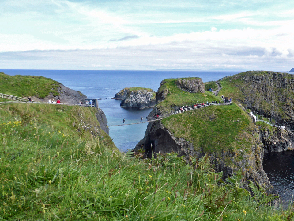 Carrick-a-Rede rope bridge, near Ballintoy in County Antrim, Northern Ireland