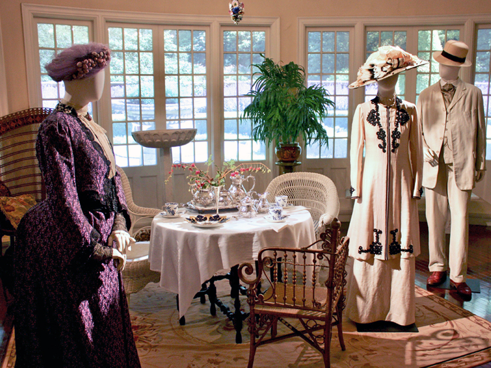 Dressing Downton: Changing Fashion for Changing Times