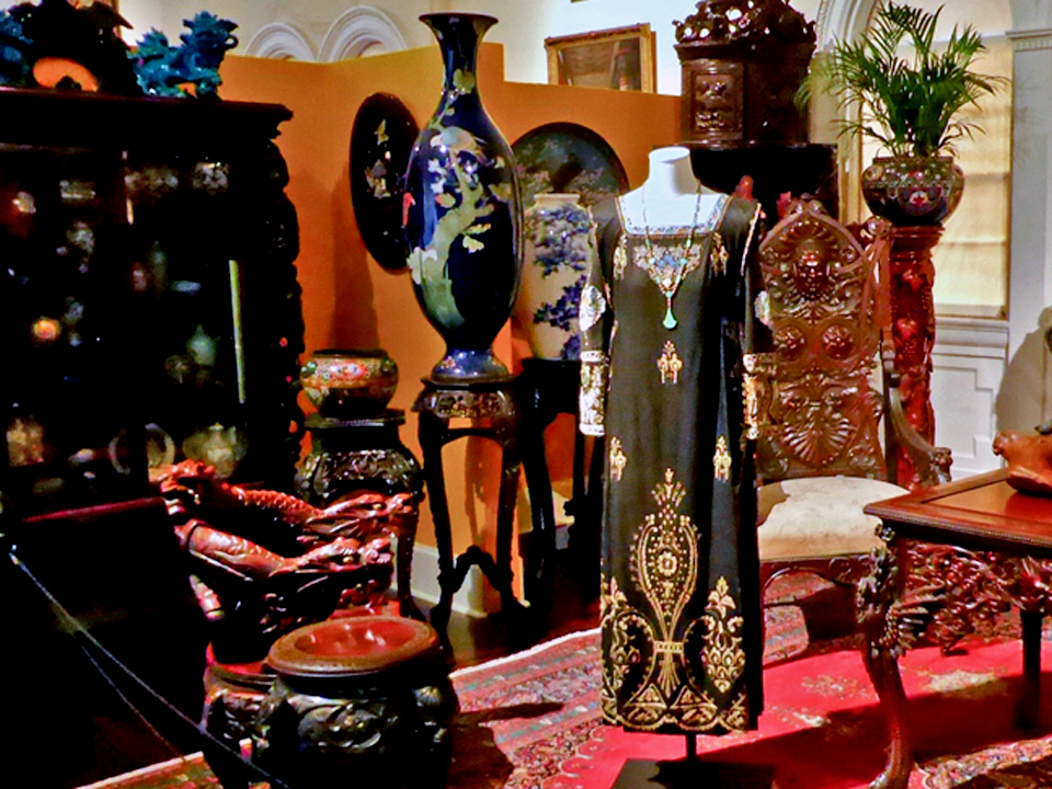Lady Edith's dress at London literary party , Lightner Museum, St. Augustine, FL
