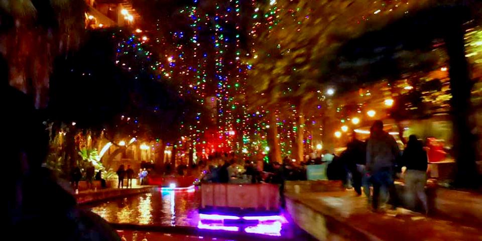 Dinner cruise along the River Walk, San Antonio