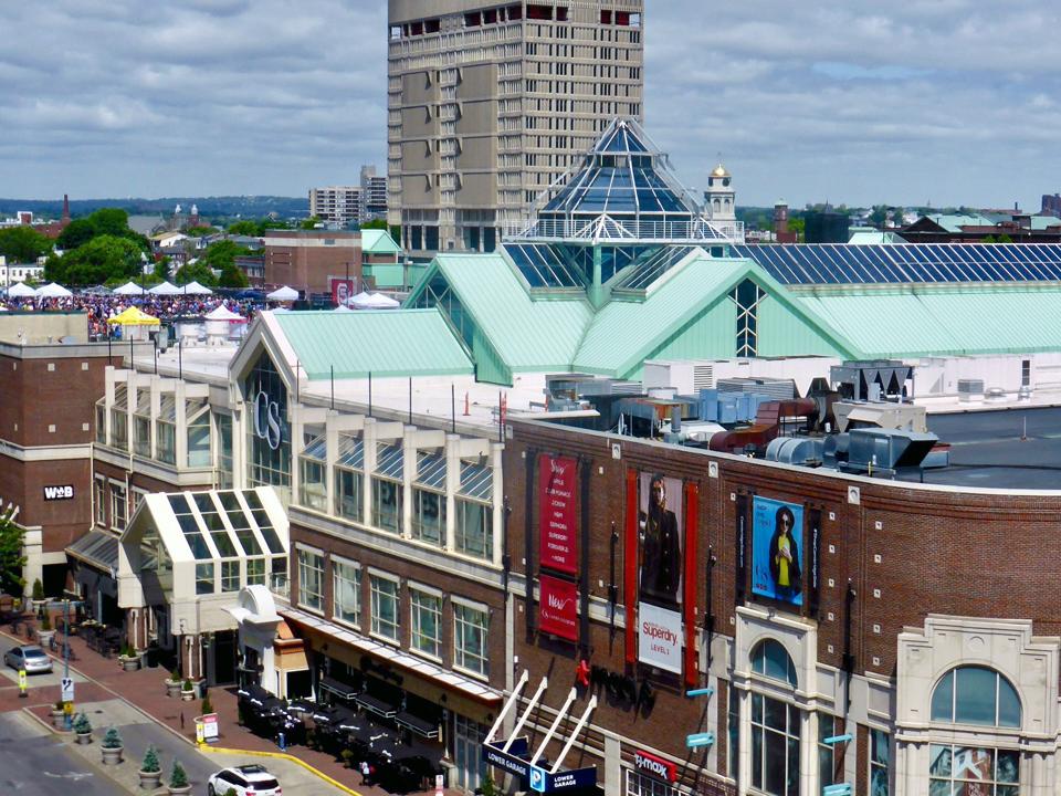 Cambridge Galleria Mall, Cambridge, Massachusetts