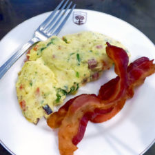 omelet and bacon, Groton Inn, Groton, Massachusetts