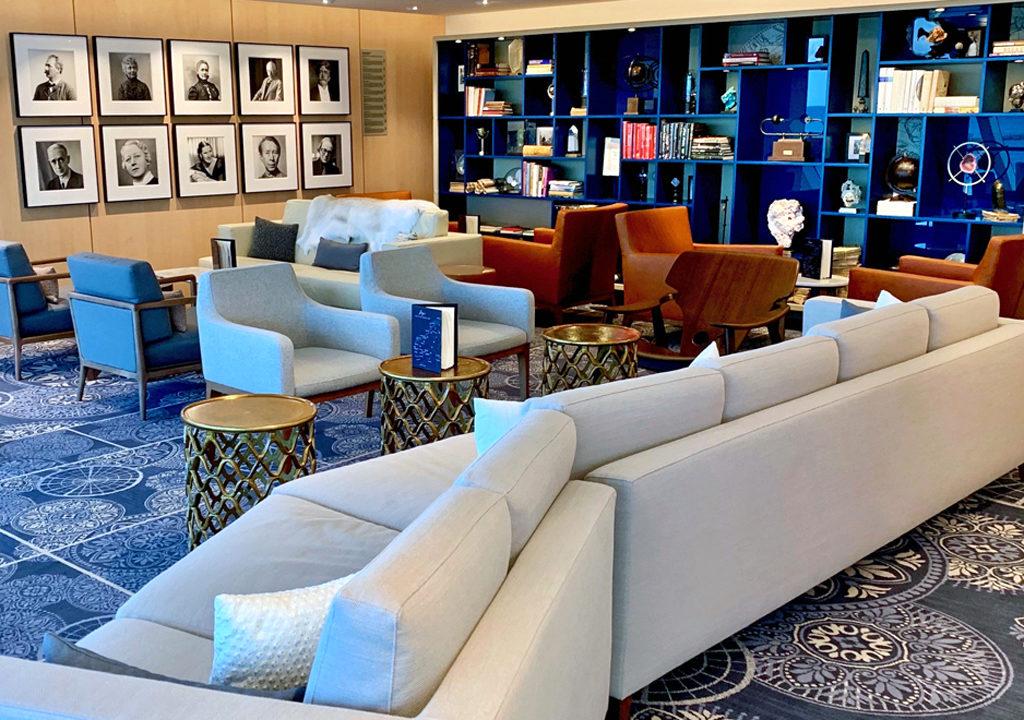 Explorers' Lounge, Viking Jupiter
